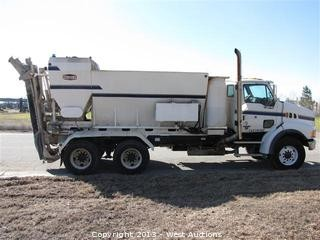 2007 Reimer Mobile Volumetric 10 Yard Mixer Mounted on 2006 Sterling LT9500 Truck
